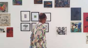 SCCA's inaugural exhibition begins with Kofi Dawson, a quiet legend of Ghanaian modernist art and experi- mentation. Image © SCCA Tamale and the artist.